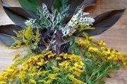 Šiandien kūreme rudeninių gėlių kompozicijas.